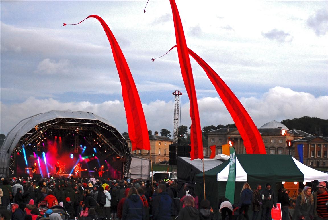 פסטיבל בירדד תאורי - צילום: John Bownas, [www.beardedtheory.co.uk