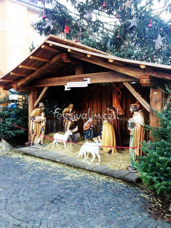 חזיון לידת ישו בשוק חג המולד בבולזנו - איטליה - צילום באדיבות: © CarniFest Online