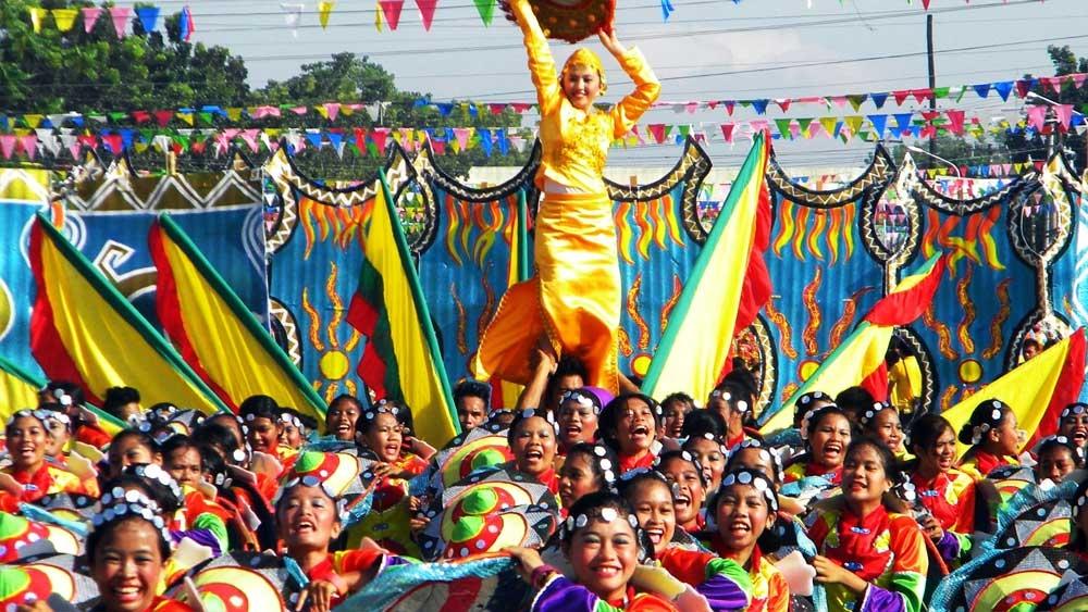 פסטיבל דינאגיאנג - צילום:  www.dinagyangsailoilo.com