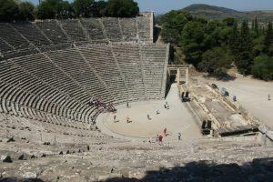 האמפיתיאטרון העתיק של אפידאורוס ביוון - צילום: מיכל לוינשטיין