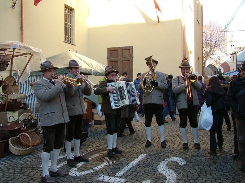 יריד סנט אורסו בעיר אאוסטה - צילום:  www.fieradisantorso.it
