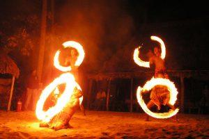 להטוטי אש - צילום באדיבות: © CarniFest Online