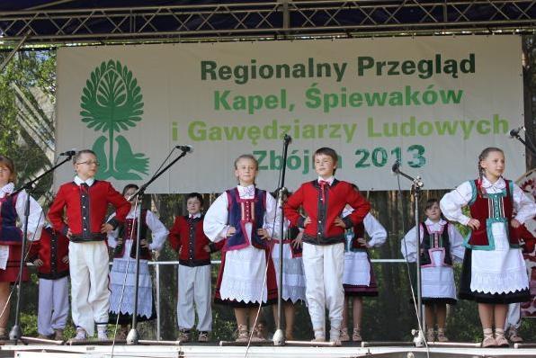 התחרות השנתית לשירה עממית בעיר זבּוּינָה - פולין - צילום באדיבות: www.4lomza.pl