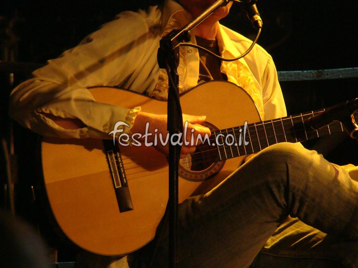נגן הגיטרה - צילום באדיבות: © CarniFest Online