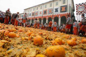 מלחמת התפוזים בקרנבל של איבראה - Photo by: www.storicocarnevaleivrea.it