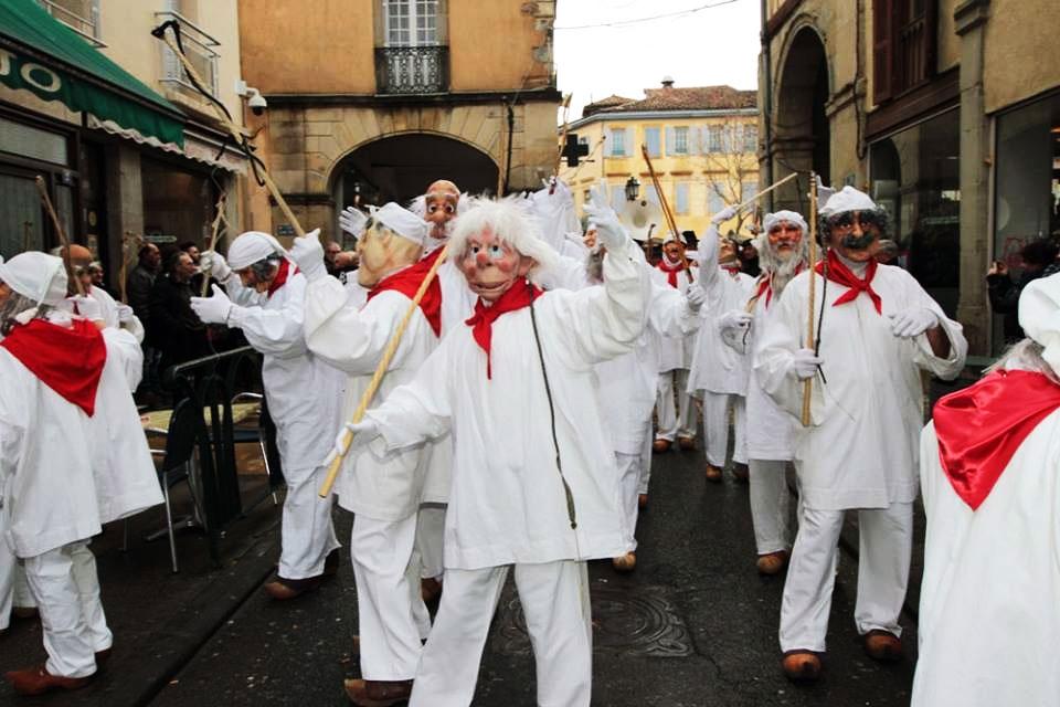 קרנבל החורף פֶקוֹ בעיר לימוס בדרום צרפת - צילום: Maison de Carnaval - Carnaval de Limoux