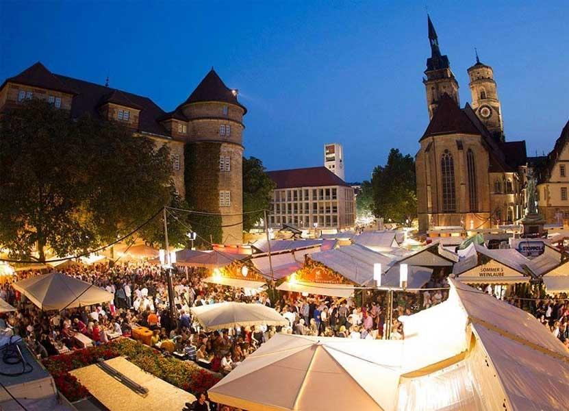 פסטיבל היין של שטוטגרט - צילום: www.stuttgarter-weindorf.de