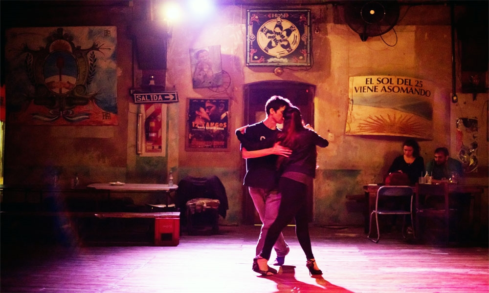 ריקוד טנגו בבואנוס איירס - צילום: Travel Buenos Aires -  [www.travel.buenosaires.gob.a]