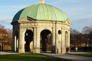 הגן האנגלי במינכן - גרמניה - צילום באדיבות: © CarniFest Online