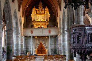 האורגן העתיק בכנסיית לוֹנבֶלֶק - צילום: www.festival-lanvellec.fr