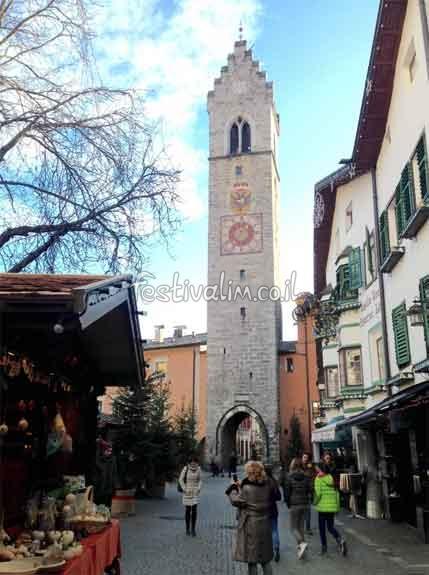 שוק חג המולד בויפיטנו - איטליה - צילום באדיבות: © CarniFest Online