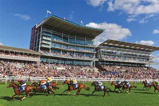 פסטיבל מירוצי הסוסים של יורק  - צילום: www.yorkracecourse.co.uk